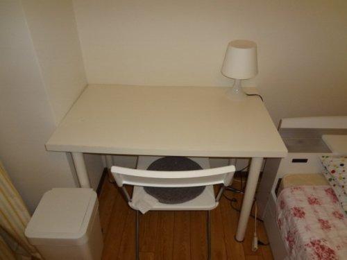 家具は白で統一