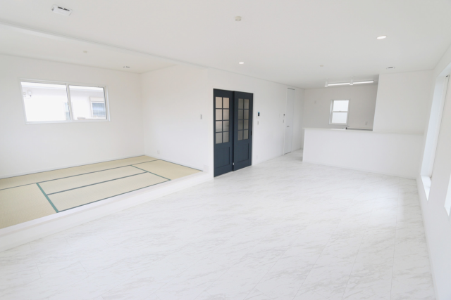20帖のLDKと6帖の和室は仕切りをなくすことで空間を開放的に使えます。