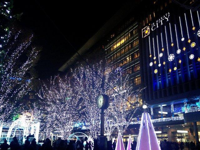 博多駅前のイルミネーションです。