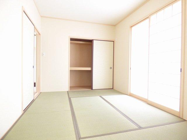 和室も とても明るいです♪