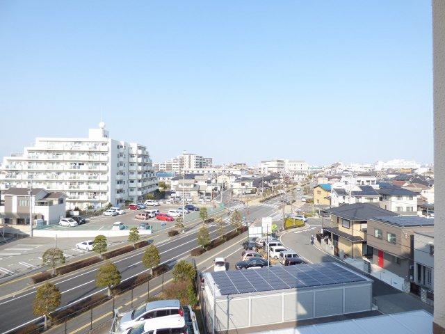 眺望良好♪ JR土山駅も見えます♪ 角部屋で各部屋眺望良好♪