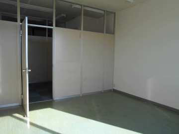 応接室などに利用できるパーテーションで区切られた個室