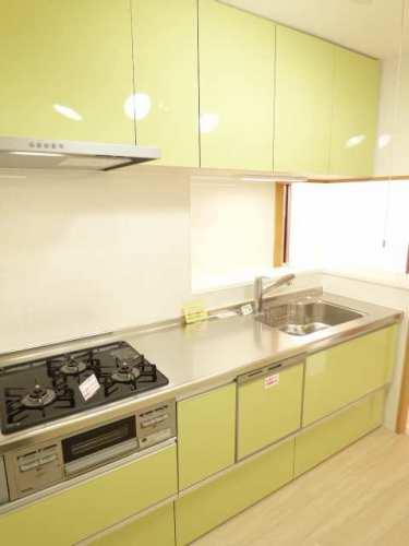 システムキッチンも新調♪食器洗乾燥機付き♪浄水器付き♪