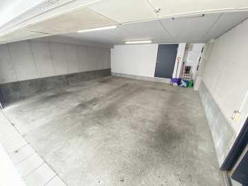 1階 ガレージ
