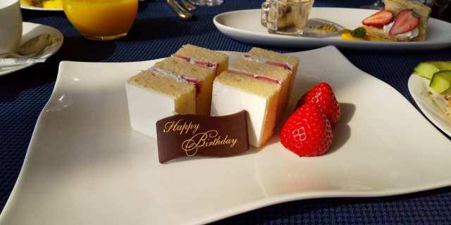 サプライズお誕生日ケーキ♪