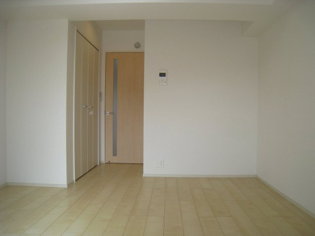 室内7.7帖+書斎1.5帖