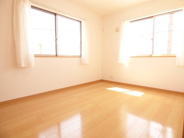 陽当りとても良好です♪室内とても明るいです♪