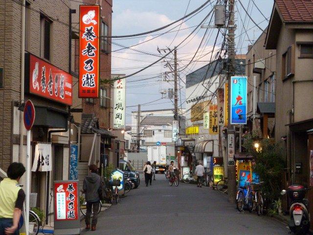 小島新田駅の駅前は意外に飲食店がたくさんあります。