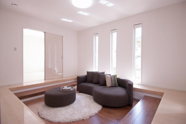 お洒落で開放感のあるフロアは多目的に活用できるお部屋です。