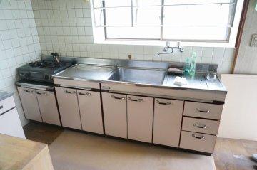 施行前キッチン