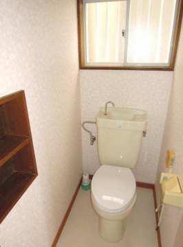 トイレ(クロス張替え済)