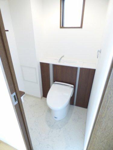 トイレもとても綺麗です♪ とても広いです♪