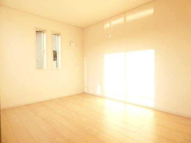 陽当りとても良好♪ 室内とても明るいです♪