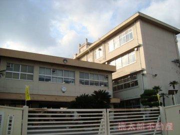 財田小学校