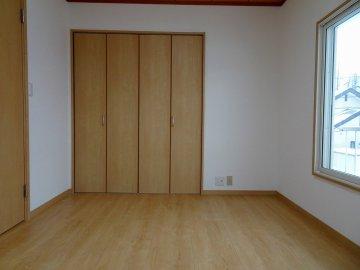 2F南西の洋室