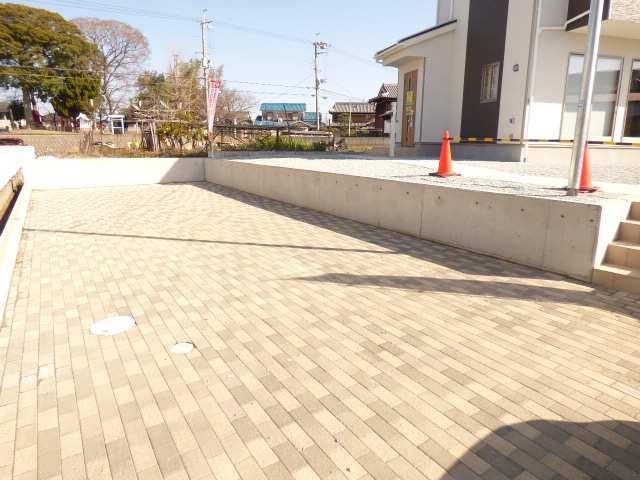 加古川市野口町良野の新築一戸建て♪駐車場の一部のご紹介♪