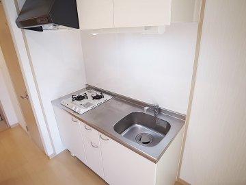 エールキューブ キッチン2口コンロ 玄関 九州大学 伊都キャンパス そば 徒歩 学生 賃貸