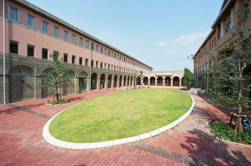 鈴鹿短期大学