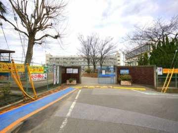 新郷東小学校
