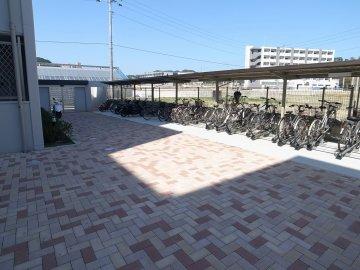 アイレーン・ウィング 駐輪場 九州大学 伊都キャンパス そば 徒歩 学生マンション