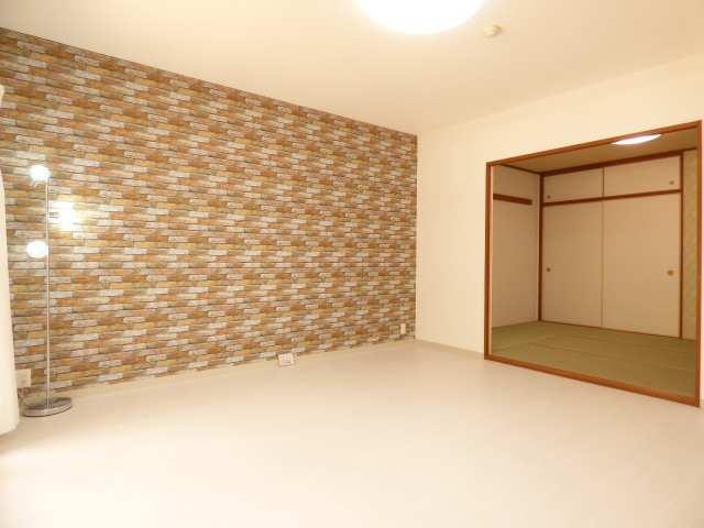 オーズタウンイーストスクエアⅡ番館♪1階のお部屋♪リビングと和室のご紹介♪