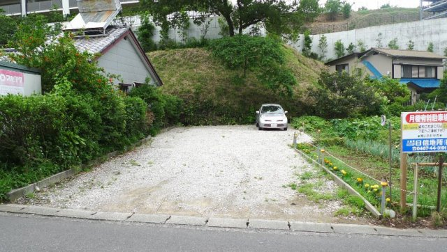岩中下駐車場写真