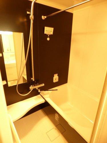 ユニットバスルーム(暖房乾燥機付き)新調♪ぜひ現地でたくさんの魅力をご体感下さい♪