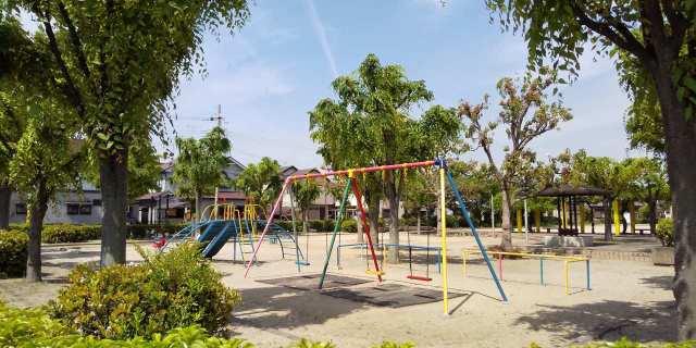 加古川市別府町新野辺の新築一戸建て♪すぐに南西側に緑豊かな公園♪