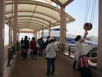福岡市営渡船「きんいん」です