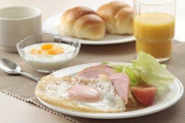 朝食の一例(洋食)