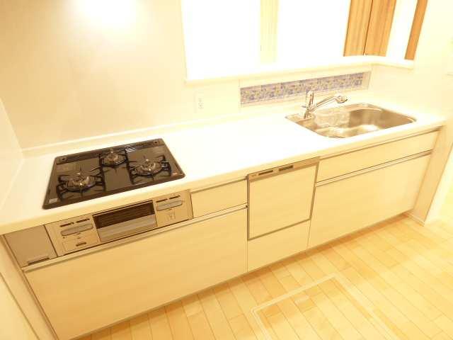 食洗機付きシステムキッチン♪