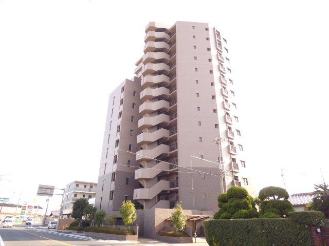 外観写真です♪イトーヨーカドー加古川店まで約360m♪お買物とても便利です♪