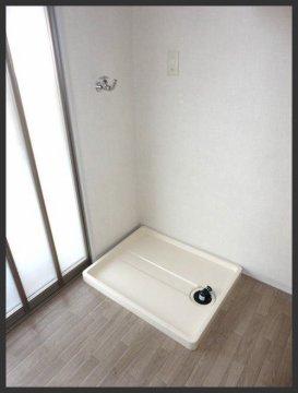 ネスト:洗濯機置場