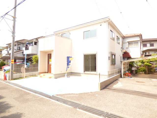 加古川市平岡町新在家の新築一戸建て♪駐車スペース並列駐車2台可能♪