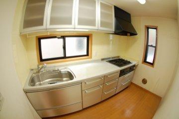 三園 キッチン