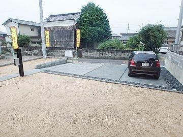 車3台分の広い駐車場