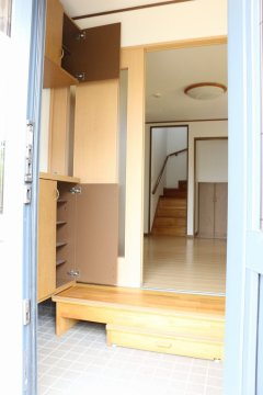 【玄関】シューズクローゼットも豊富な収納量