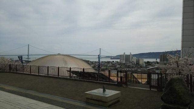 人丸山 柿本人麻呂神社からの眺望♪ 明石大橋・明石海峡・数々の船・明石の街などよく見えます♪