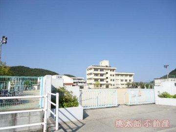 鯉山小学校