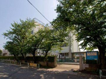 新曽北小学校
