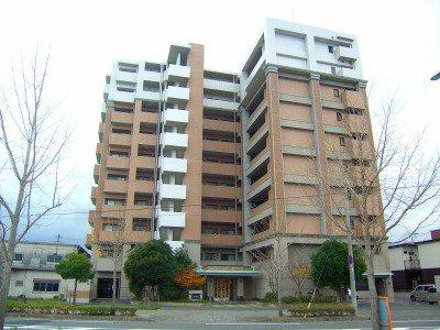 外観 ☆平成14年築!! 3階部分の角部屋です!!☆