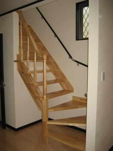 寝屋川市 こだわりの階段