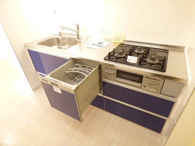 システムキッチン(食洗機・浄水器水栓付き)新調♪新しいので気持ちよくお使いいただけます♪