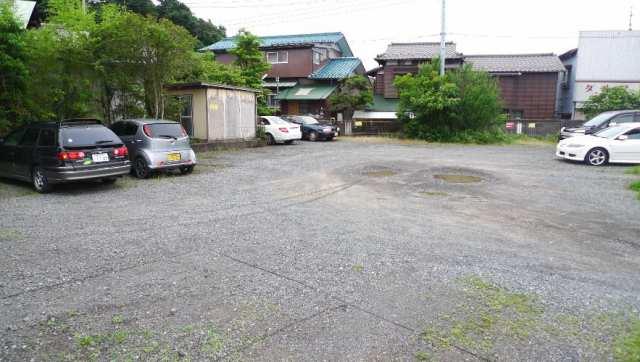 石井晶正駐車場写真