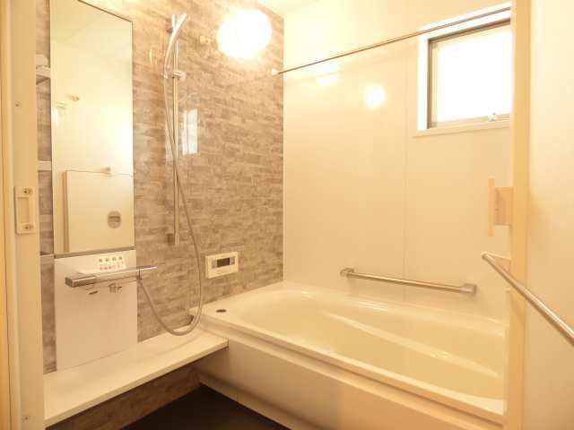 加古川市の築浅一戸建て♪浴室のご紹介♪