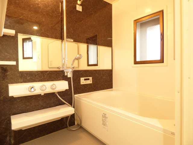 【エンブレイス加古川別府、9階角部屋】浴室のご紹介♪