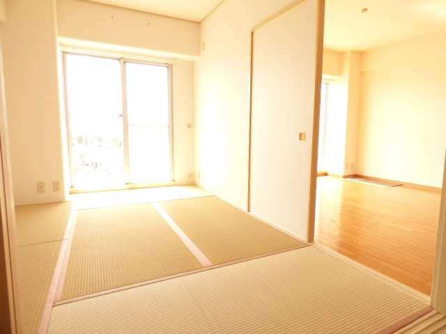 7階部分♪東南バルコニーで陽当り・眺望良好♪室内リフォーム済(平成30年8月)♪室内とても綺麗♪