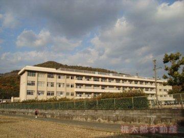 芥子山小学校
