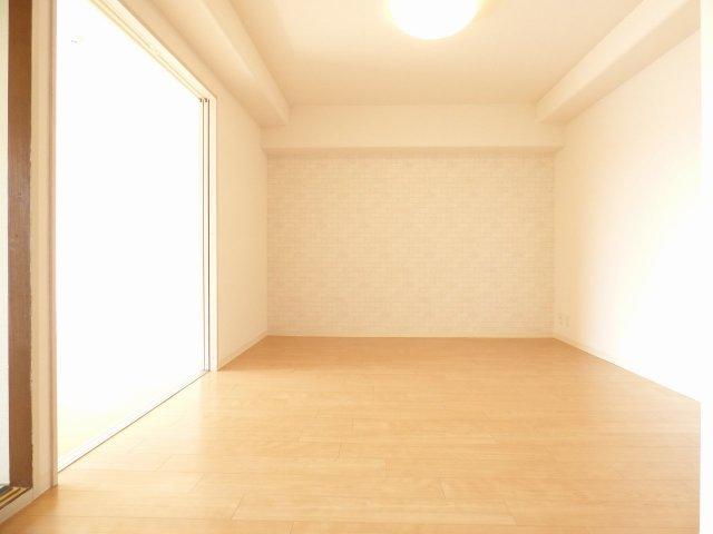 室内リフォーム済み♪室内とても綺麗です♪陽当り良好で室内とても明るいです♪