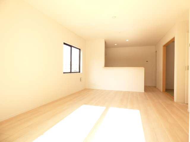 【JR加古川駅徒歩22分】加古川市野口町良野の新築一戸建て♪リビングのご紹介♪